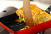 エンドウ豆入り卵焼きの作り方3