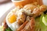 鶏肉ソテー温泉卵のっけ