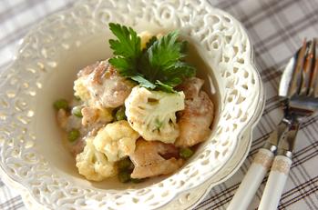 鶏肉とカリフラワーのクリーム煮