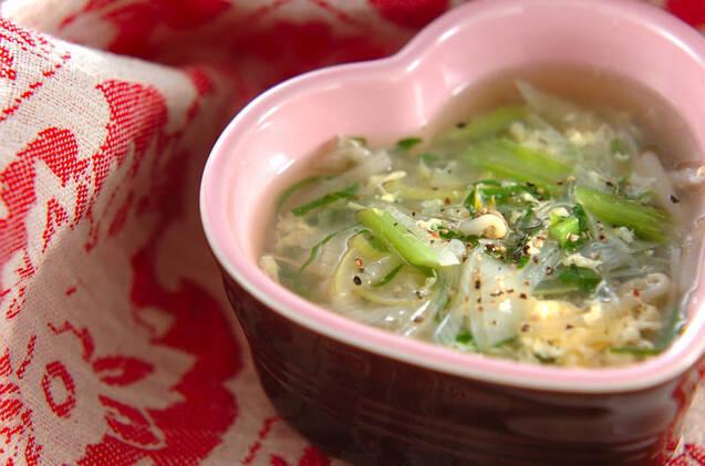 小松菜ともやしと2種の野菜のふわふわ卵鶏がらスープ