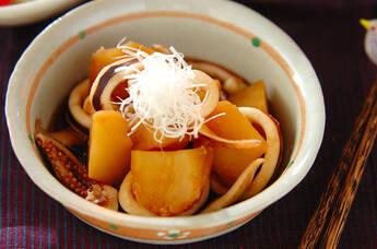 やわらかイカとジャガイモのシンプル煮