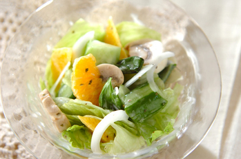 レタスとハッサクのサラダ