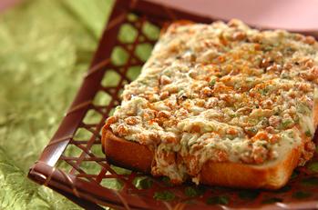 納豆と長芋のトロトロトースト