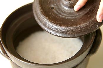 土鍋でごはんを炊く