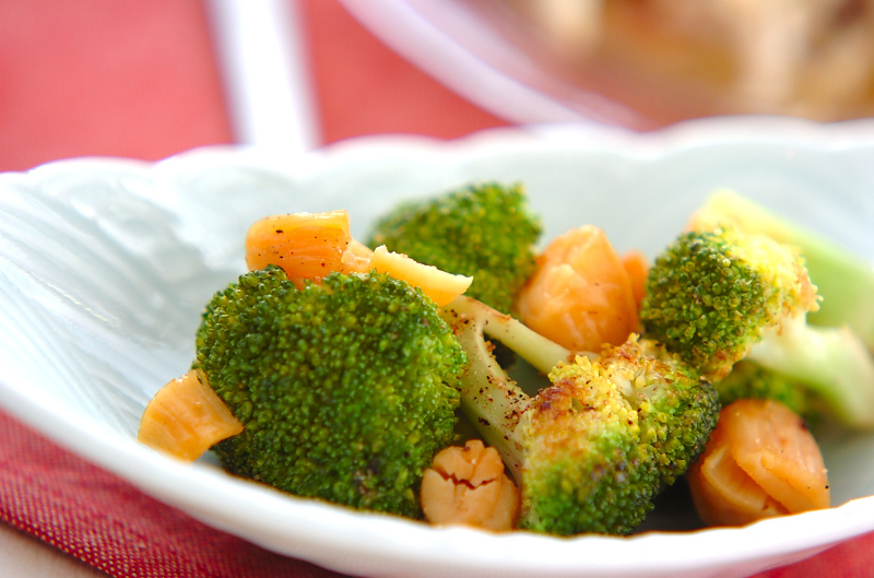 4. ブロッコリーと貝柱炒め