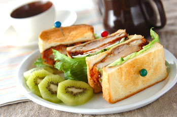 チキンカツサンドイッチ