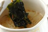 モヤシとワカメのみそ汁の作り方2