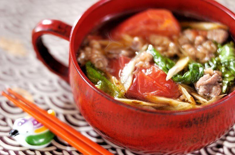 牛肉とトマトと野菜のスープ