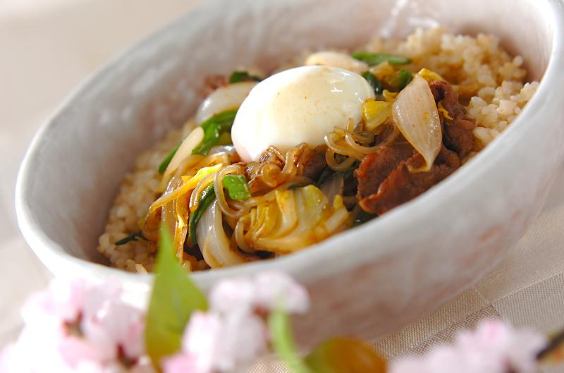 5. 春野菜のすき煮丼