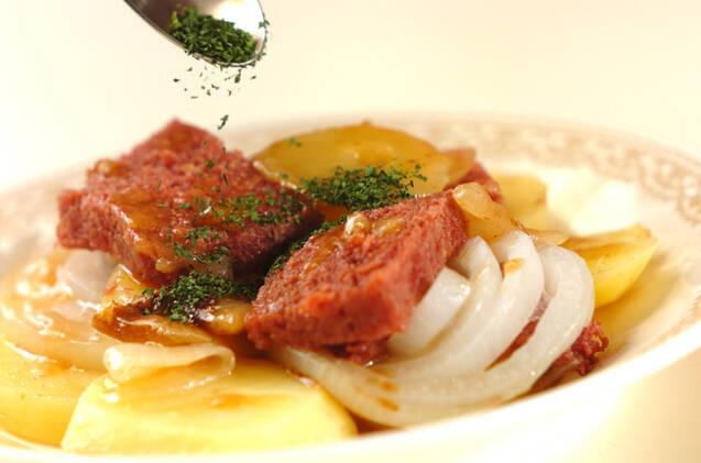 ポテトとコンビーフの重ね蒸しの作り方の手順3