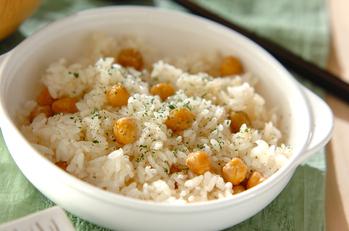 ヒヨコ豆入りクミン風味バターライス