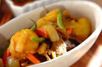 カレー風味の肉ジャガ