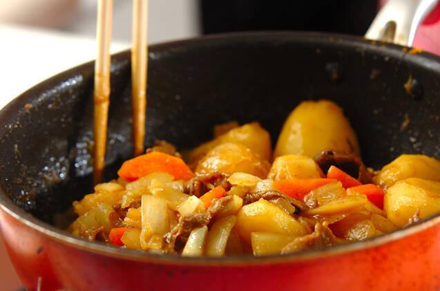 カレー風味の肉ジャガの作り方の手順9