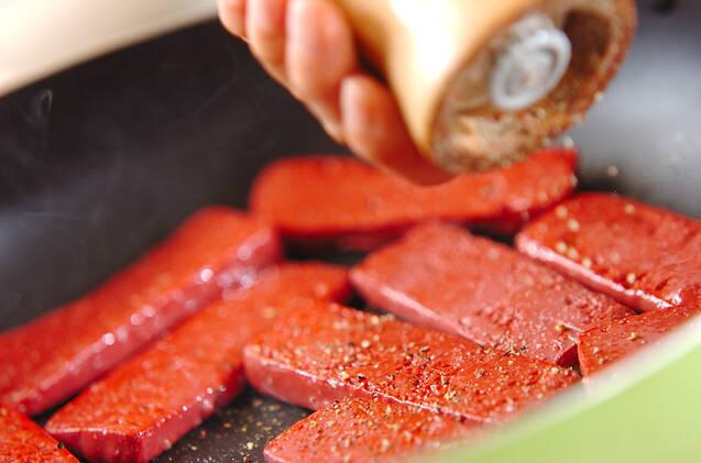 コンニャクのペッパー焼きの作り方の手順2