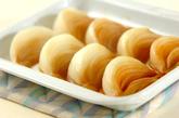レンジで玉ネギのバターじょうゆ和えの作り方1