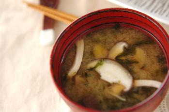 シイタケとアオサのみそ汁