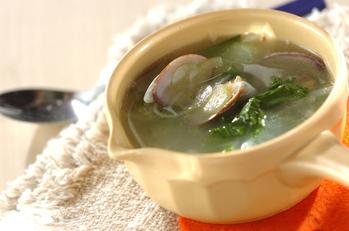 セロリとアサリの香風スープ