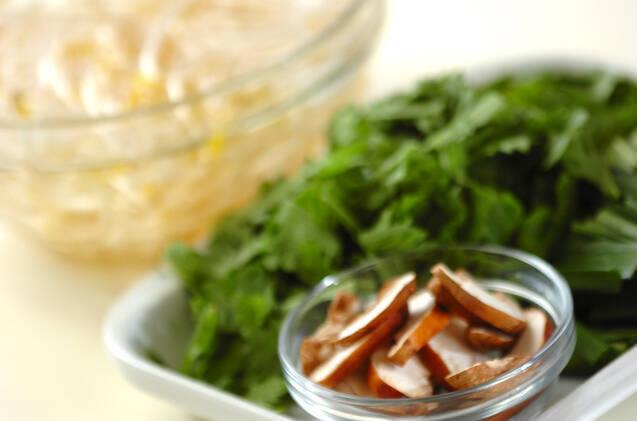 モヤシとニラの卵炒めの作り方の手順1