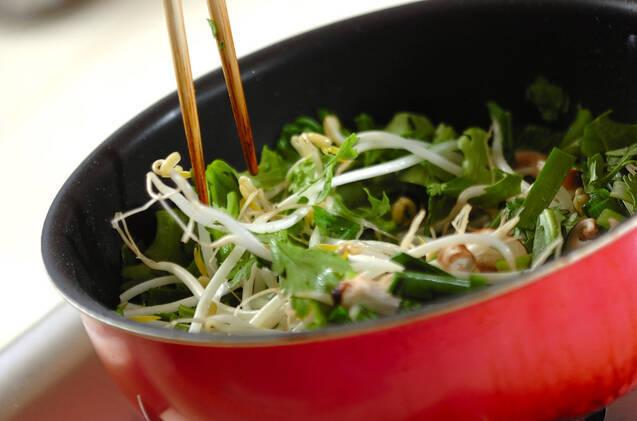 モヤシとニラの卵炒めの作り方の手順5