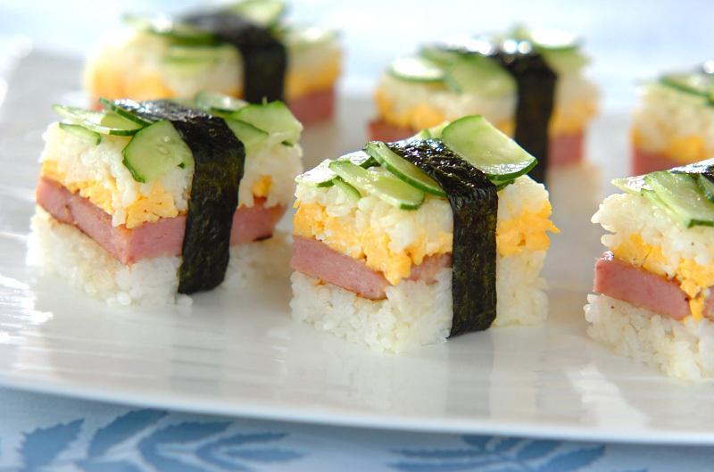 卵とランチョンミートの押し寿司