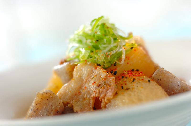 大根と豚肉の味噌煮込み