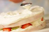 バウムクーヘンでケーキの作り方4