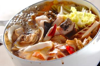 海鮮鍋~トムヤム風鍋~卵春雨