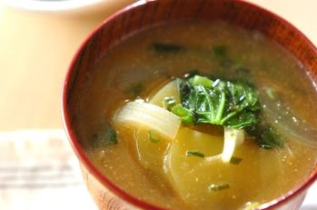 青菜とジャガイモのみそ汁