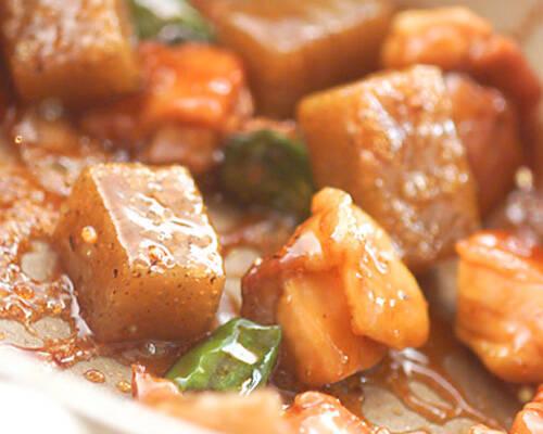 鶏肉と蒟蒻の甘辛煮の作り方の手順3