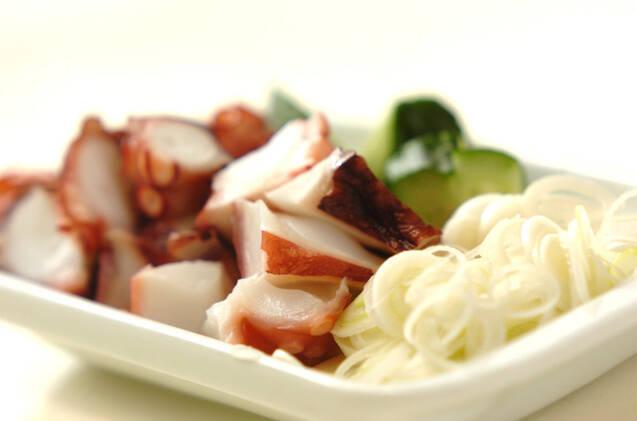 タコとキュウリのネギゴマ酢和えの作り方の手順1