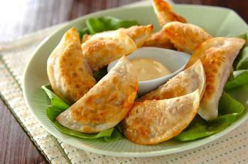 コンビーフの揚げ焼き餃子