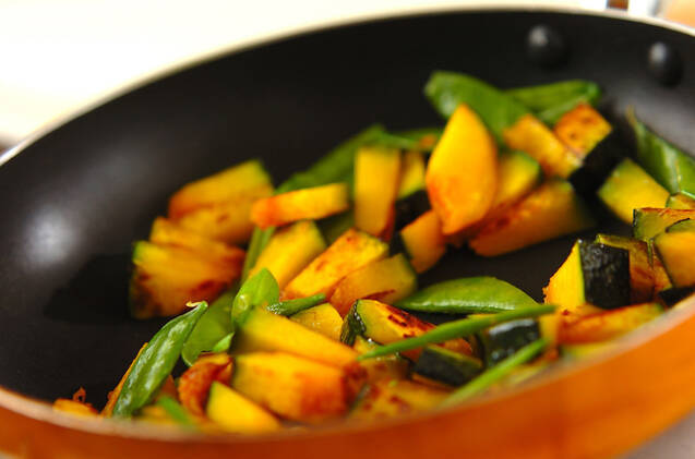 カボチャのみそマヨ炒めの作り方の手順4