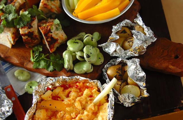 野菜スティックとチーズディップ