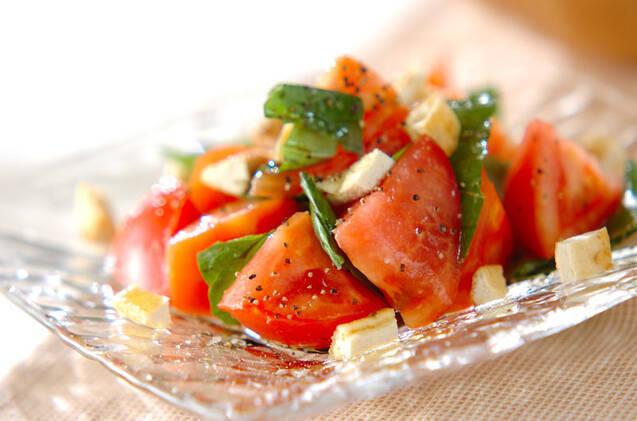 トマトのフレッシュバジル和え