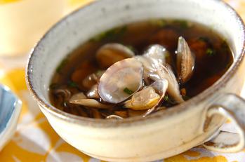 アサリとキノコのスープ