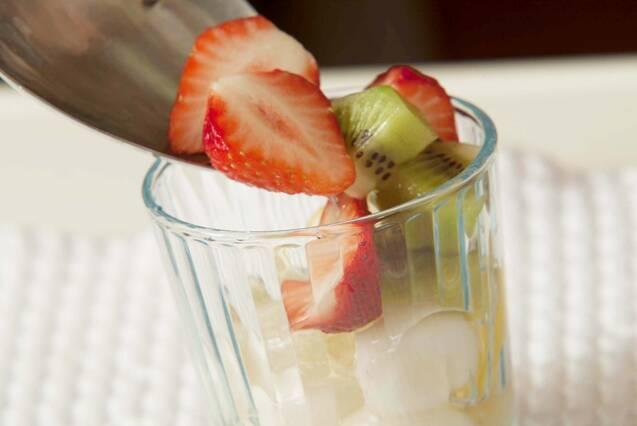 懐かしの味!もちもち白玉のフルーツポンチの作り方の手順7