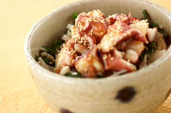 タコ梅和え丼