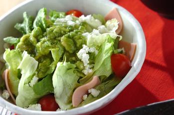 アボカドソースがけサラダ