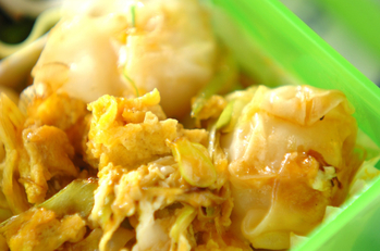 シューマイと卵のオイスター炒め