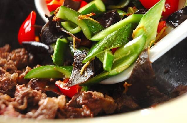 牛肉とキュウリの炒め物の作り方の手順8