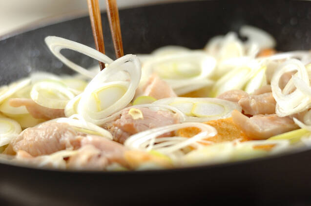 鶏と油揚げの炒め煮の作り方の手順2