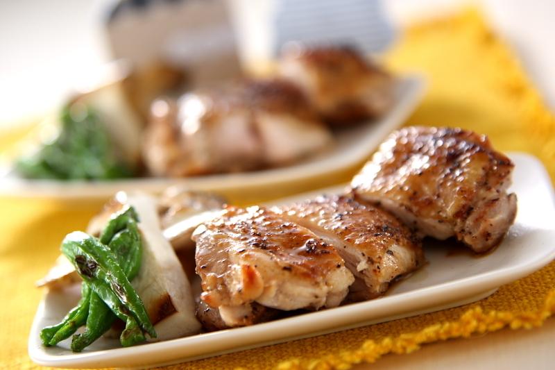 鶏肉の黒コショウソテー