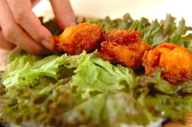 鶏の唐揚げ巻き寿司の作り方の手順3