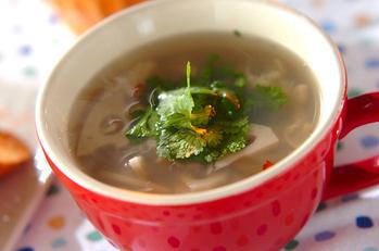 レンコンとホタテのエスニックスープ