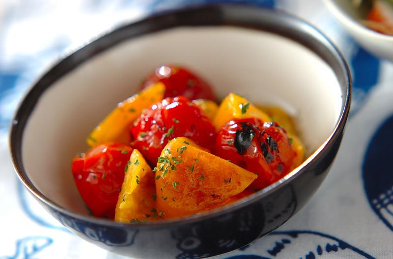 2. 焼きパプリカとプチトマトのマリネ