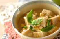 キヌサヤと高野豆腐の卵とじ
