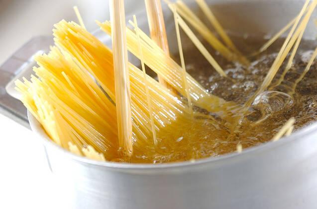 松の実のペペロンチーノの作り方の手順4