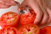 カップトマトサラダの下準備1