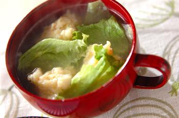 エビ団子とレタスのスープ