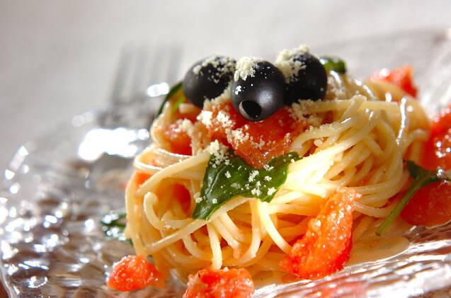 トマトとオリーブの冷製パスタ